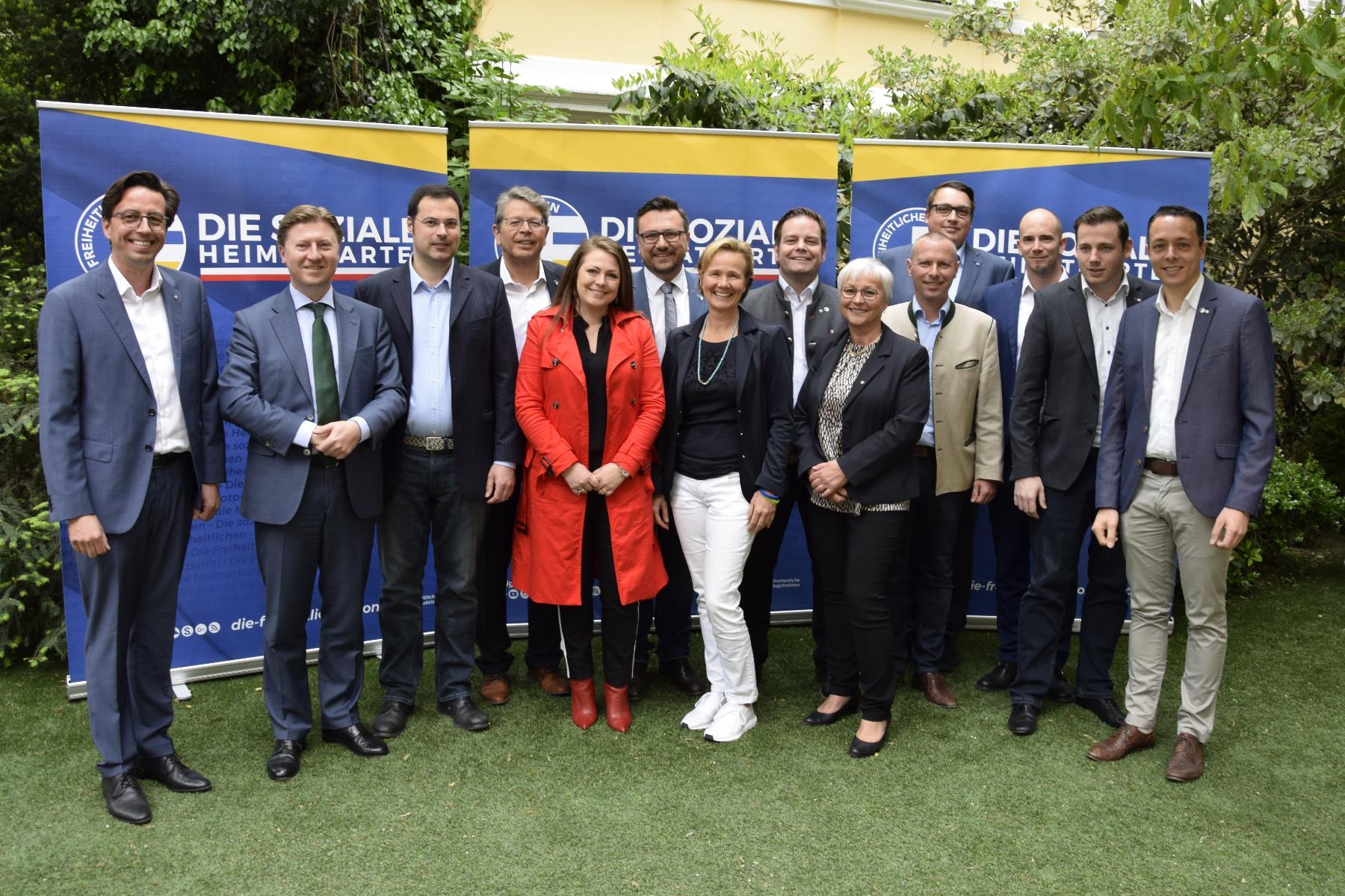 Gesamttiroler Zusammenarbeit für tragbare Lösungsansätze!