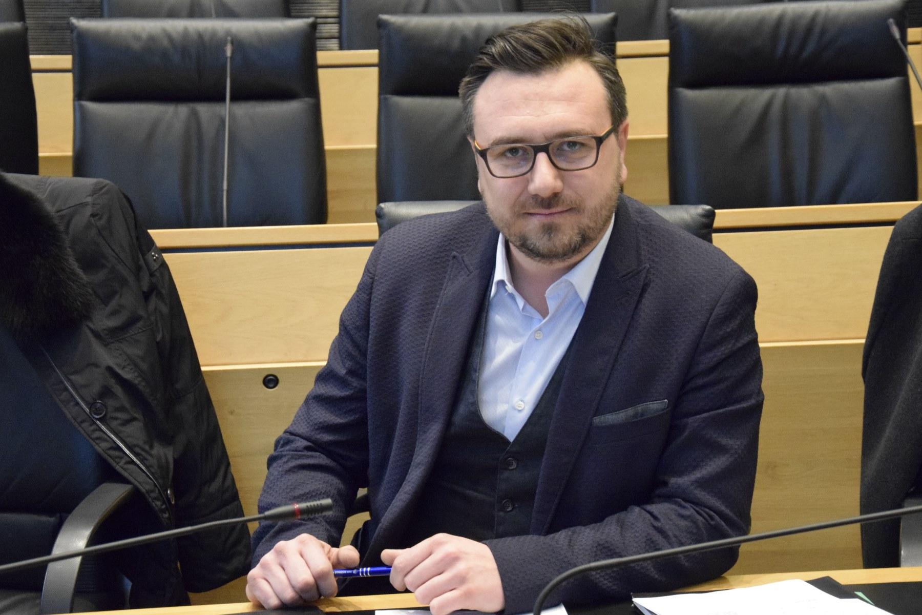 """""""Diskriminierung der deutschen Sprache muss mit allen Mitteln bekämpft werden!"""""""