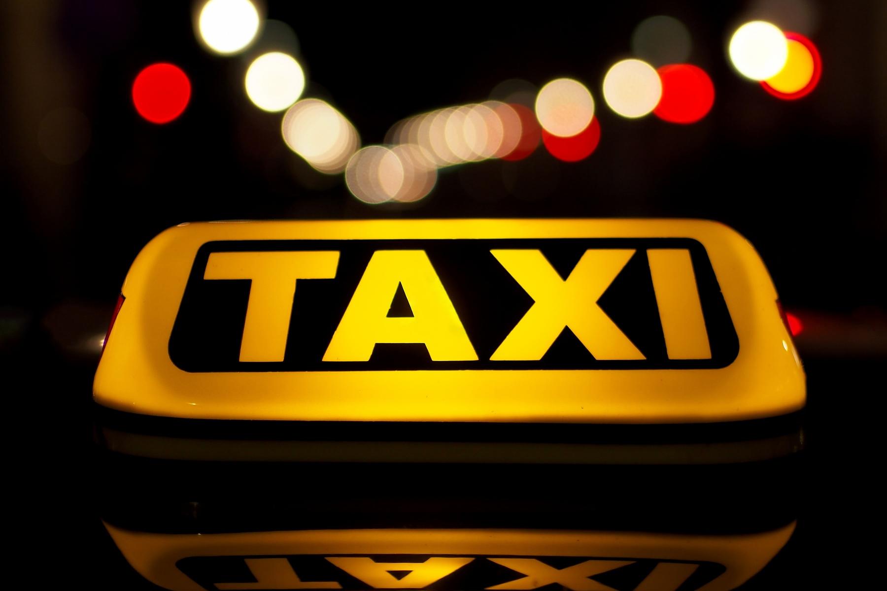 Beschlussantrag | Zufahrtsrecht für Taxis am Busbahnhof in Bozen | Angenommen✅