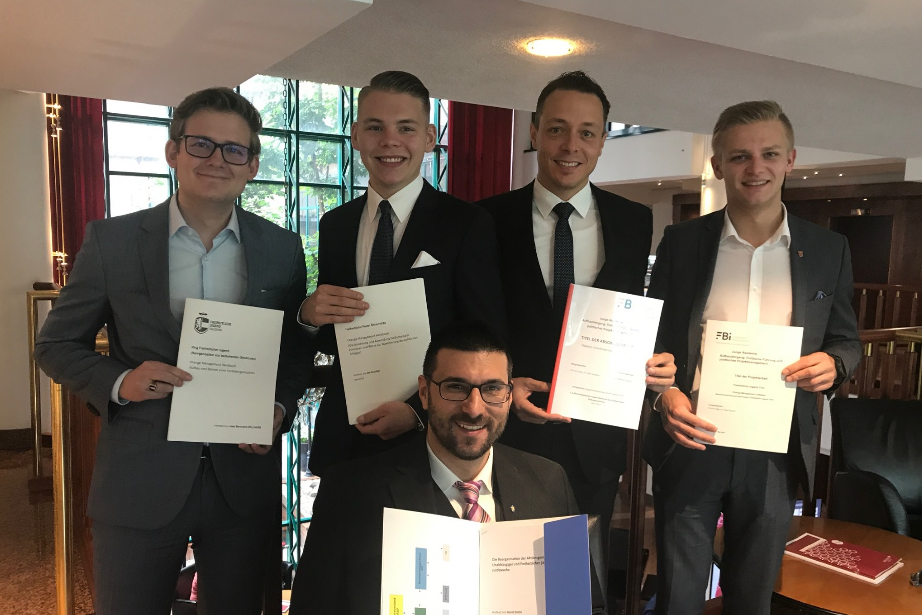 Erfolgreicher Abschluss der politischen Weiterbildung bei der FPÖ
