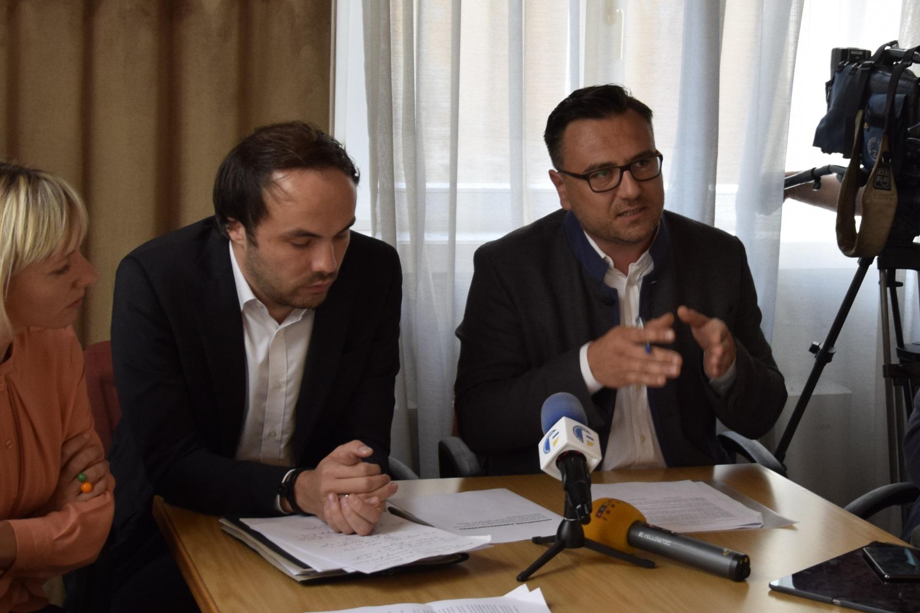 Erfolg für freiheitliche Initiative gegen Diskriminierung von deutschem Ärztepersonal